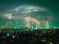 nature pictures | Superbe orage au dessus du ciel de Sydney en Australie.
