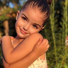 Cute Little Baby, Cute Baby Girl, Beautiful Children, Beautiful Babies, Curly Kids, Cute Babies Photography, Cute Mixed Babies, Adorable Babies, Kid Styles