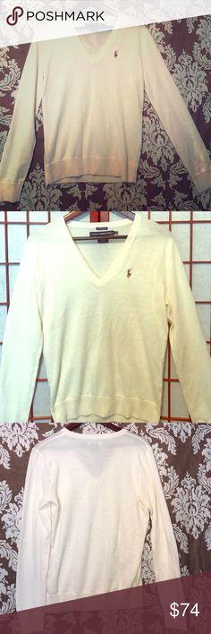 NWOT RALPH LAUREN 100% MERINO WOOL V NECK SWEATER NWOT RALPH LAUREN 100% MERINO WOOL V NECK SWEATER Ralph Lauren Sweaters V-Necks