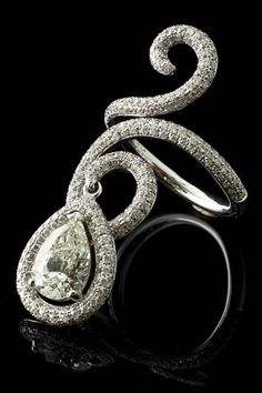 Indian bridal arm bracelet. When I get married I will wear one without jewels