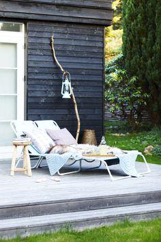 LEI LIVING boliginspiration og online indretningshjælp: Sommer i haven Outdoor Rooms, Outdoor Gardens, Outdoor Living, Outdoor Decor, Outdoor Daybed, Outside Living, Outdoor Settings, Plein Air, Garden Styles