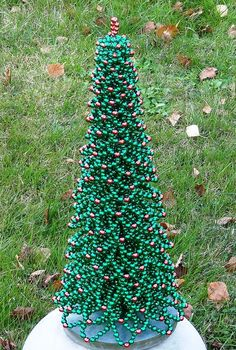 Beading Pattern Christmas Tree Tutorial by FlorenHandicrafts Christmas Tree Pictures, Unique Christmas Trees, Alternative Christmas Tree, Beaded Christmas Ornaments, Diy Christmas Tree, Christmas Crafts For Kids, Christmas Projects, Simple Christmas, Xmas Tree