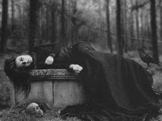 Gothic Fashion - I might start reading Frankenstein later!!