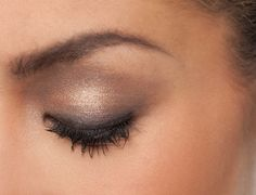 So Over It! 1.Color the entire eye-lid with shade #3 2.Blend shade #4 on eye-lid 3.Apply shade #4 to the upper lash line