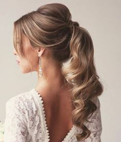 Newest Cost-Free wavy Ponytail hairstyles Thoughts The summer time is virtually around and today it is time to get prepared for autumn time of year by Cute Ponytail Hairstyles, Wavy Ponytail, Elegant Ponytail, Hairstyles With Glasses, Wedding Hairstyles With Veil, Bride Hairstyles, Hairstyle Ideas, Hairstyle Photos, Updos Hairstyle