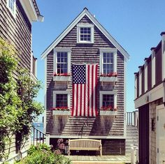 4th of July Decor: The interior design community shows their patriotism and all-American style on Instagram.