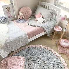 41.9k Followers, 846 Following, 1,140 Posts - See Instagram photos and videos from 3 Little Crowns (@3.little.crowns)// girl's room inspiration, little girl's bedroom, fresh and feminine, natural light, bedroom inspiration, kid's room inspiration