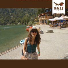 Pédalos et stand up paddle Stand Up Paddle, Location, Saints, Cabin, Bonheur, Athlete, Landscape