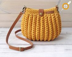 Marvelous Crochet A Shell Stitch Purse Bag Ideas. Wonderful Crochet A Shell Stitch Purse Bag Ideas. Crochet Clutch, Crochet Handbags, Crochet Purses, Crochet Bags, Crochet Shell Stitch, Crochet Stitches, Knit Crochet, Crochet Designs, Crochet Patterns
