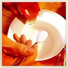 1. resepti nopea suklaakakku, yhteisleivonta Twitterissä 19.1.2013 klo 14 alkaen - taikinakulhoon vanilliisisokeria