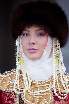 Российские красавицы:  русская.