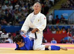 Charline Van Snick verovert brons op Grand Slam judo Bakoe - Sportwereld