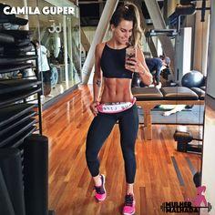 15 Musas fitness brasileiras em selfies na frente do espelho