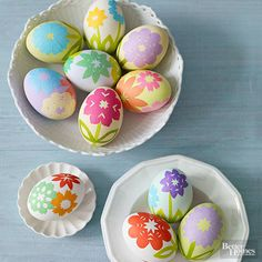 These easy-to-craft blooms look perfectly pretty on plain Easter eggs! Click here for more no-dye Easter egg ideas: http://www.bhg.com/holidays/easter/eggs/pretty-no-dye-easter-eggs/?socsrc=bhgpin032115paperblossomeastereggs&page=1