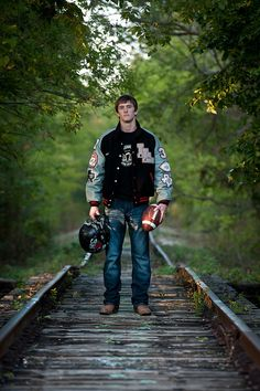 Senior picture ideas love this but its too close to home, my son is graduating this year, sniff sniff lol