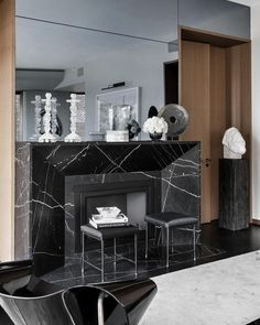 The Best Projects By Ryan Korban - Ryan Korban is one of the most In-Vogue Interior Designers of the Moment in New York and the United State Marble Fireplace Surround, White Fireplace, Marble Fireplaces, Modern Fireplace, Fireplace Wall, Fireplace Surrounds, Fireplace Design, Flat Interior, Classic Interior