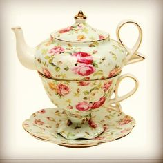 Tea cup and tea pot in one