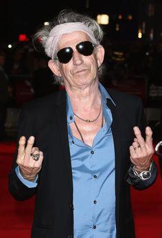 Keith visar att han är inte en människa till domstol pressen som han deltar i premiären av Crossfire Hurricane under den 56: e London Film Festival på Odeon Leicester Square i London 2012.