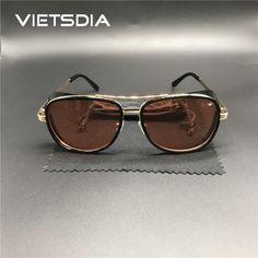 d95e29caf4 2018 Hot Iron Man 3 gafas de sol Steampunk para hombre Tony Stark gafas  Retro Vintage gafas Steampunk gafas de sol UV400