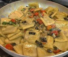 Italian Pasta, Italian Dishes, Confort Food, Best Italian Recipes, Pizza, My Favorite Food, Slow Cooker Recipes, Pasta Recipes, Food And Drink