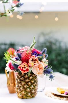 a palm springs floral tablesacpe - sugar and cloth - Pineapple decoration! Pineapple Vase, Pineapple Centerpiece, Pineapple Flowers, Tropical Flowers, Pineapple Decorations, Fruit Flowers, Summer Flowers, Colorful Flowers, Beautiful Flowers