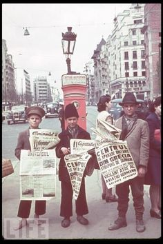 Bucuresti - Romanian newspaper vendors in Bucharest hold up papers announcing the Nazi invasion of Greece and the Blitz in London, 1940 Costume Castle, Bucharest Romania, The Blitz, Images And Words, Childhood Days, Tour Eiffel, Old City, World War Two, Rue