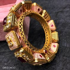 No photo description available. Gold Jewellery Design, Gold Jewelry, Jewelery, Designer Jewellery, Bridal Bangles, Gold Bangles, Dragon Bracelet, Antique Necklace, India Jewelry
