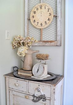 10 Smashing Cool Tips: Shabby Chic Pillows Wedding Gifts shabby chic interior modern.Shabby Chic Farmhouse Furniture shabby chic home colour schemes. Decoration Shabby, Shabby Chic Decor, Vintage Decor, Rustic Decor, Decorations, Rustic Style, Vintage Vignettes, Modern Decor, Rustic Entry