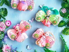 Tiny faeries frolicking! Create these faeries cupcakes for a little fairy birthday girl, or a fantasy themed party.