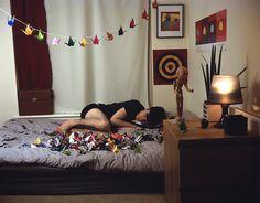 string of paper cranes 1000 Paper Cranes, 1000 Cranes, Diy Craft Projects, Craft Ideas, Diy Crafts, Art Installations, Installation Art, My Room, Dorm Room