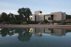 Villa Camilla Puglia by Fabiano Spano Modern Residential Architecture, Interior Architecture, Villa, Landscape Materials, Modern Exterior, Architectural Elements, House Tours, Countryside, Italy