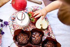 Celozrnné čokoládové muffiny Kitchenette, Food, Studio Room, Essen, Yemek, Kitchen Nook, Meals