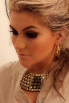 makeup artist Alice Salazar
