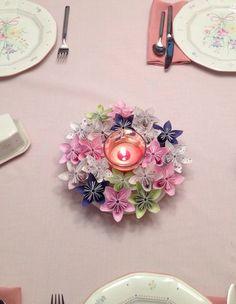 Pretty Princess Origami Kusudama Paper Flower / http://www.himisspuff.com/origami-wedding-ideas/8/