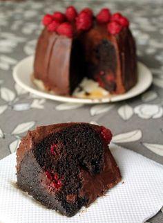 Chocolate Cupcakes: bitter cocoa cake and raspberries
