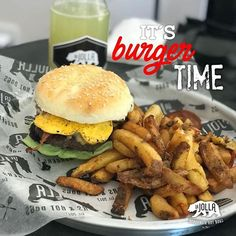 Burger anti domingo!! Veni a comer una increíble Burger 100% casera o proba los primeros HotDogs artesanales de la ciudad! Te esperamos!! 🍔Olavarria 3164 . . . . . . . #mardelplata #hotdog #burger #viernes #sriracha #frenchfries #lajolla #tgif #bestoftheday #artesanal #homemadefood #antidomingo #lajollalocals #sandiegoconnection #sdlocals - posted by La Jolla Mdp  https://www.instagram.com/lajollamardelplata. See more post on La Jolla at http://LaJollaLocals.com