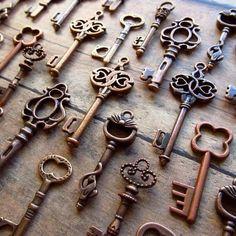 Llaves antiguas, herrajes vintage, decoración vintage, laton antiguo, llaves hierro, llaves viejas
