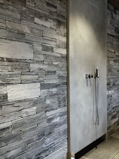 This is one of our favourite showers - made with schist bricks, for that distinctive look that you don't get from other materials. Bathroom Inspiration, Natural Stones, Door Handles, Stone Bathroom, Rustic, Interior Design, Bricks, Apartment Ideas, Slate