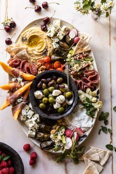 No Fuss farmers market mezze platter - Fast Recipes Cheese Platters, Food Platters, Antipasto, Tapas, Mediterranean Appetizers, Homemade Tzatziki, Clean Eating, Healthy Eating, Charcuterie And Cheese Board