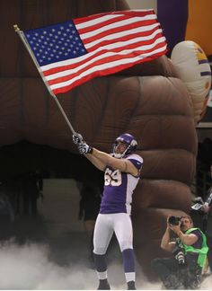 Jared Allen at Mall of America Field on Veterans Day 2012