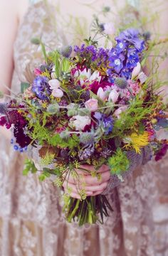 Love love love the wild country meadow feel of this hand tied bouquet by The Real Cut Flower Garden #flowers #bouquet #wedding #bride #weddingflowers #littlebookforbrides