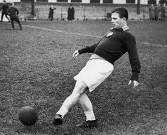 Puskas is one of the best players to ever grace the game and has an annual FIFA award named after him Fifa, Real Madrid, George Weah, Ruud Gullit, Xavi Hernandez, Fulham Fc, First World Cup, Bobby Charlton, Good Soccer Players