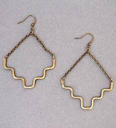 Love these simple drop earrings, dramatic but easy to wear