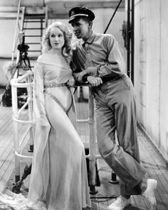 """Fay Wray and Bruce Cabot in """"King Kong"""" 1933"""