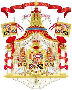 Grandes armas de Carlos III con manto real, cimera real de Castilla y el lema A solis ortu usque ad occasum (Desde la salida del sol hasta el ocaso), origen de la frase atribuida a Felipe II: En mis dominios no se pone el sol, haciendo referencia a que el sol nunca se ponía en los territorios españoles, pues abarcaban los dos hemisferios. También se incluye la palabra Santiago, en referencia al Santo Patrón de España, Santiago el Mayor, y más concretamente al lema tradicional Santiago y…