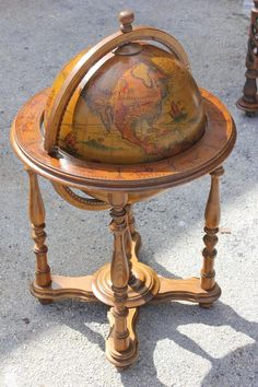 French Mid-Century Modern World Globe Bar, circa 1960s 2