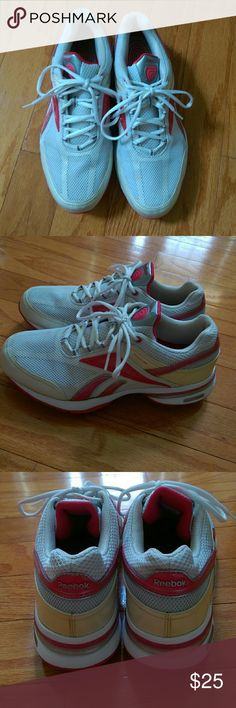 2e21c76fe59c5 White   red running shoes Ladies white and red Reebok running shoes. US size  10 With SMOOTHFIT   EASYTONE technology. In excellent gently used condition.