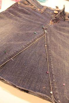 Faire une jolie jupe à partir d'un vieux jean