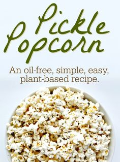 This pickle popcorn recipe is ridiculously simple, easy and can be accomplished during a commercial break for the perfect savory and crunchy evening snack. Popcorn Oil, Vegan Popcorn, Popcorn Toppings, Flavored Popcorn, Dill Pickle Popcorn Recipe, Pickle Juice Recipe, Popcorn Snacks, Popcorn Balls, Dressing
