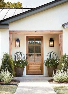 Front Door Entrance, House Entrance, Entry Doors, Front Doors, Garden Entrance, Front Entrances, Front Entry, Front Door Planters, Glass Front Door